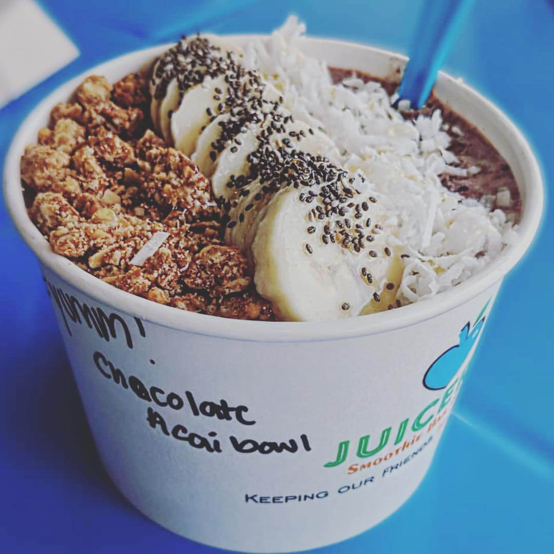 Juiceria chocolate acai bowl